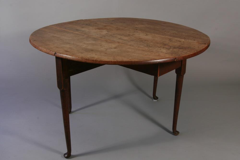 Antique Queen Anne Drop Leaf Table
