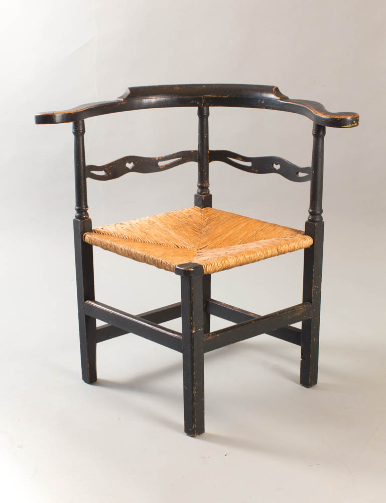 A fine country Chippendale corner chair