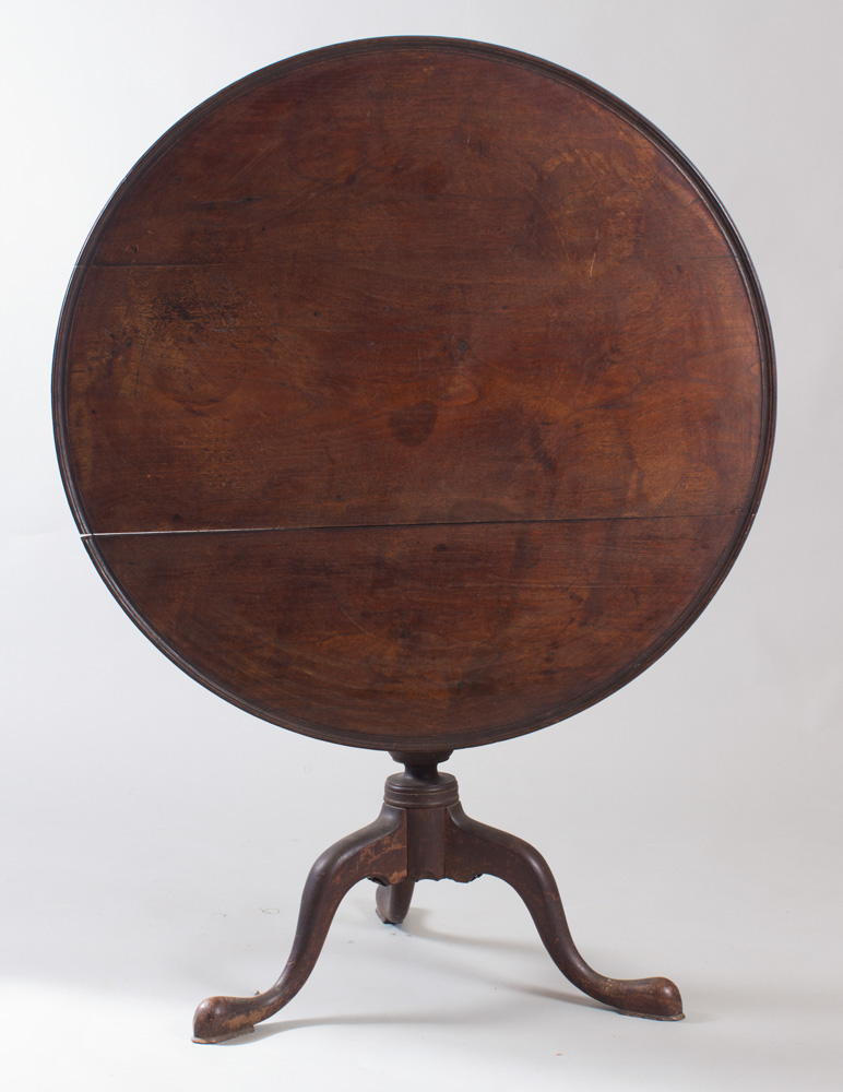A very fine birdcage walnut tea or breakfast table