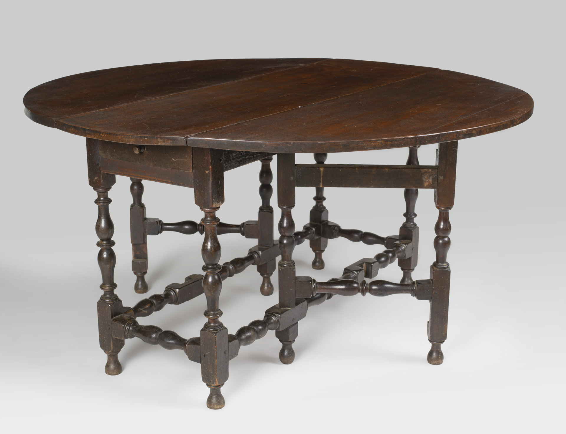 William & Mary Gate-legged table